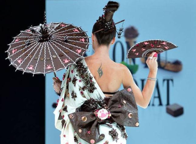 Salon du Chocolat - Chocolate Fashion Show 2012a
