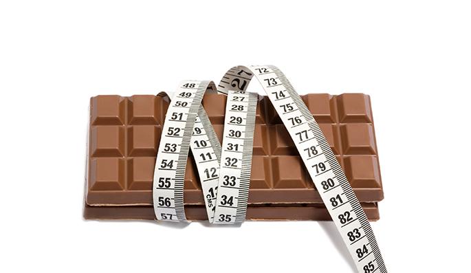 chocolate e fita métrica
