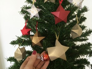 árvore com estrelas