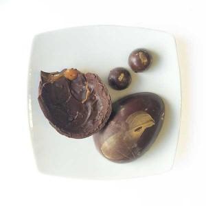 Chianti Chocommelier - Ovo de páscoa chocolate amargo com casca recheada de caramelo e sal