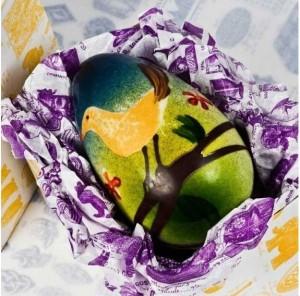 Rococo Chocolates - Ovo pintado a mão de pássaro japones