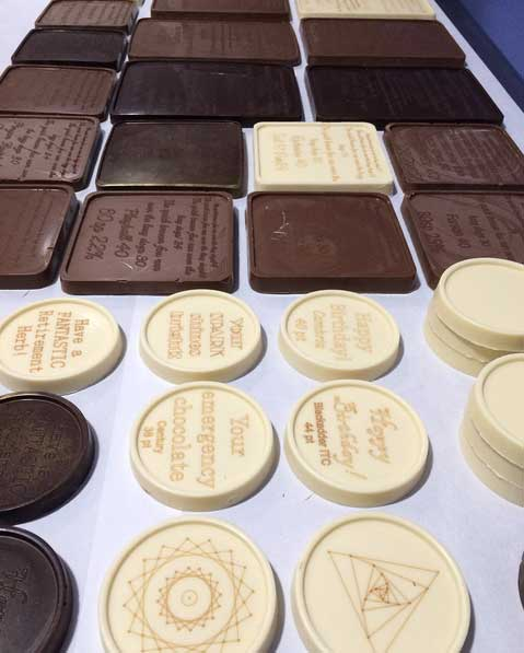 Noteworthy - Chocolates gravados a laser