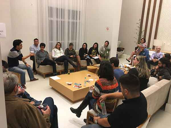 conversa informal entre chocolate makers no Premio Bean to Bar Brasil