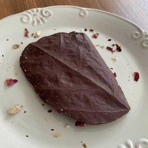 Monjolo barra rústica com rosas e mix de nuts